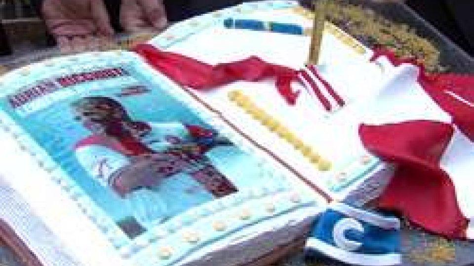 la torta ritrattoAdrian Ricchiuti, Leggenda biancorossa: il giornalista Strazzacapa racconta l'argentino che ha caratterizzato 15 anni di storia del Rimini