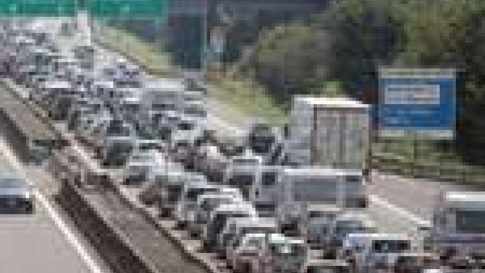 A14 in tilt per il traffico: obbligo di uscire a Riccione