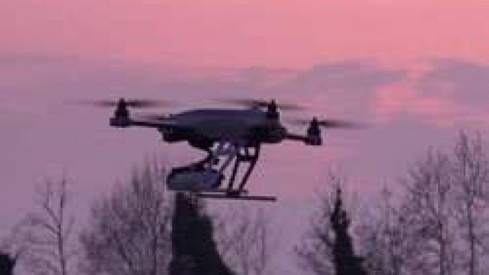 """Pericolo droni, """"troppi vicino agli aeroporti""""Pericolo droni, """"troppi vicino agli aeroporti"""". Impennata di segnalazioni dei piloti"""