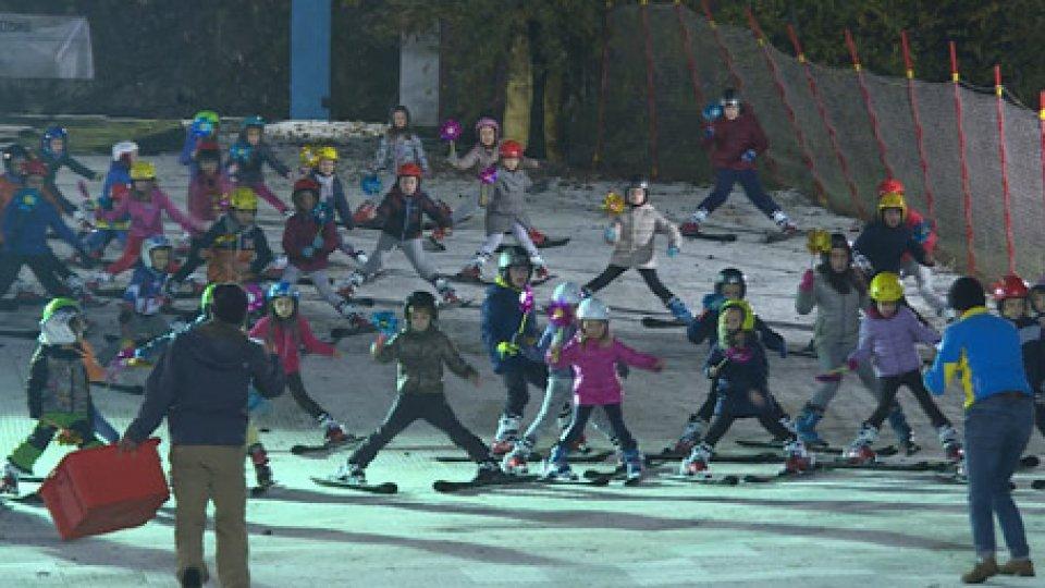 I bimbiFederazione Sammarinese Sport Invernali: a Serravalle l'esibizione di 95 bimbi sugli sci