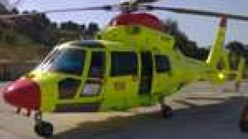 Missione di soccorso in elicottero per salvare un anziano