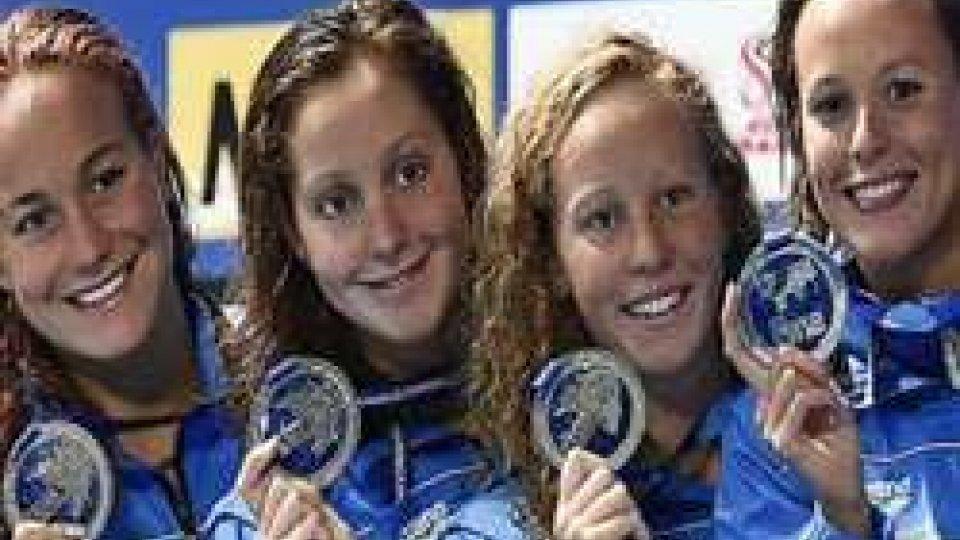 Nuoto: super Pellegrini, argento per l'Italia nella 4x200 slNuoto: super Pellegrini, argento per l'Italia nella 4x200 sl