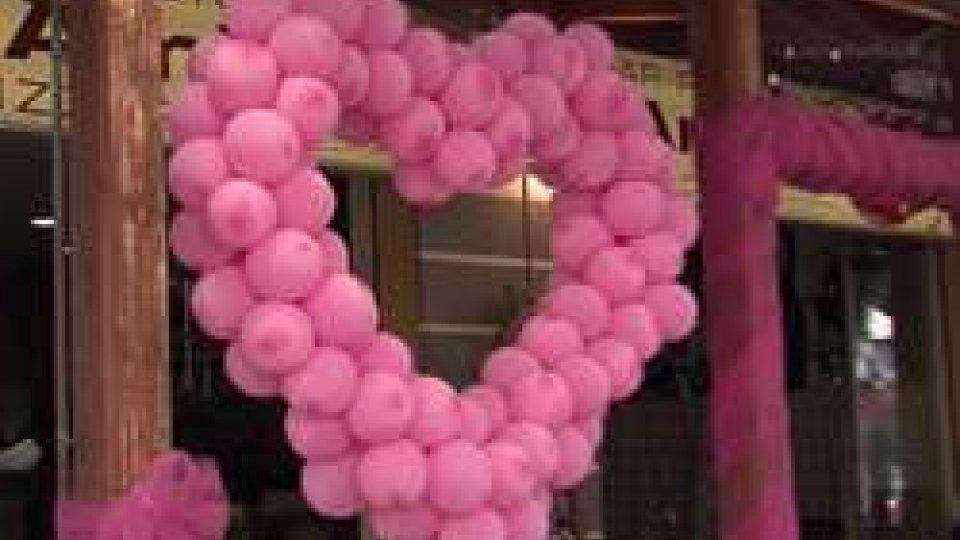 Notte rosaNotte rosa, da Rimini un messaggio contro il terrorismo