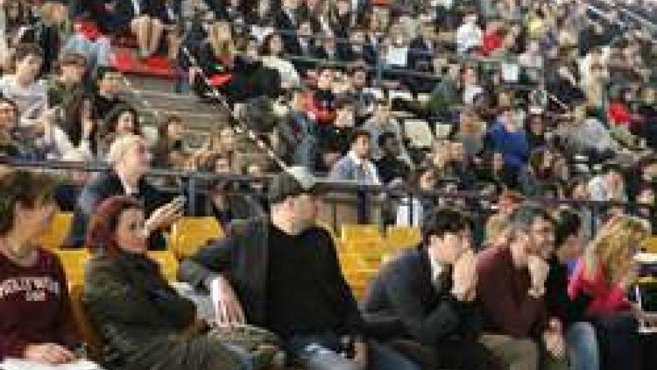 """Più di 700 studenti riminesi questa mattina per """"Educazione alla Legalità ed alla Sicurezza Stradale -  Ragazzi in Comune"""""""
