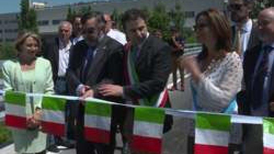 """Il taglio del nastroTerritorio: riaperto il ponte """"internazionale"""" che collega Gualdicciolo a San Leo"""