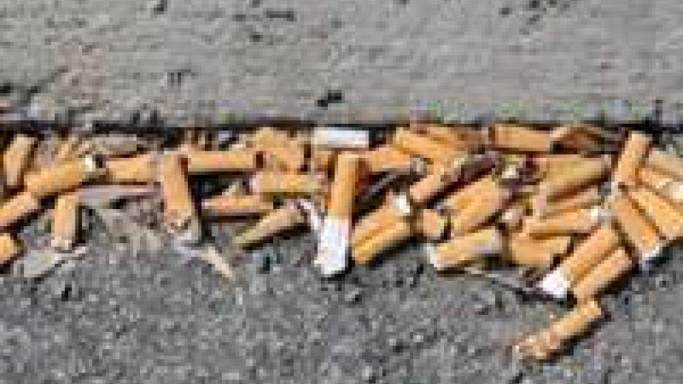 Italia: giro di vite su mozziconi e chewing gum a terra
