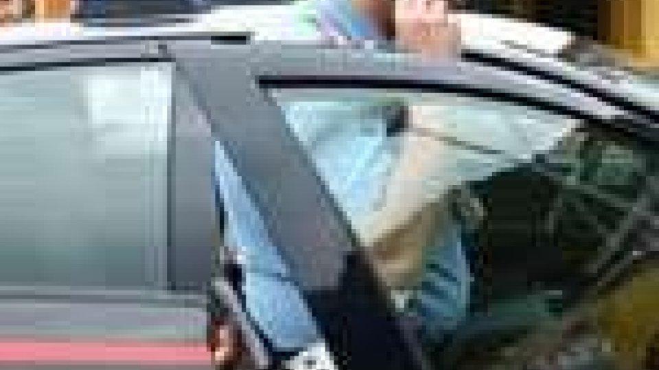Bergamo. Uomo armato negli uffici di Equitalia prende 15 ostaggi