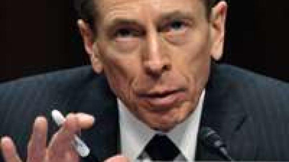 """Petraeus Gate: """"Non ho mai passato informazioni top secret"""""""