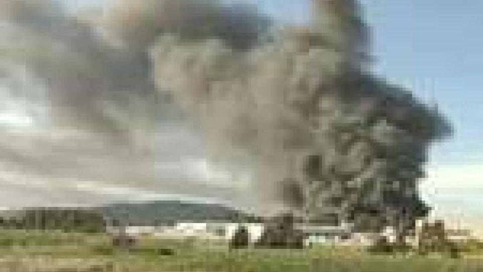 Australia. Gigantesco incendio devasta industria chimica. Domate le fiamme