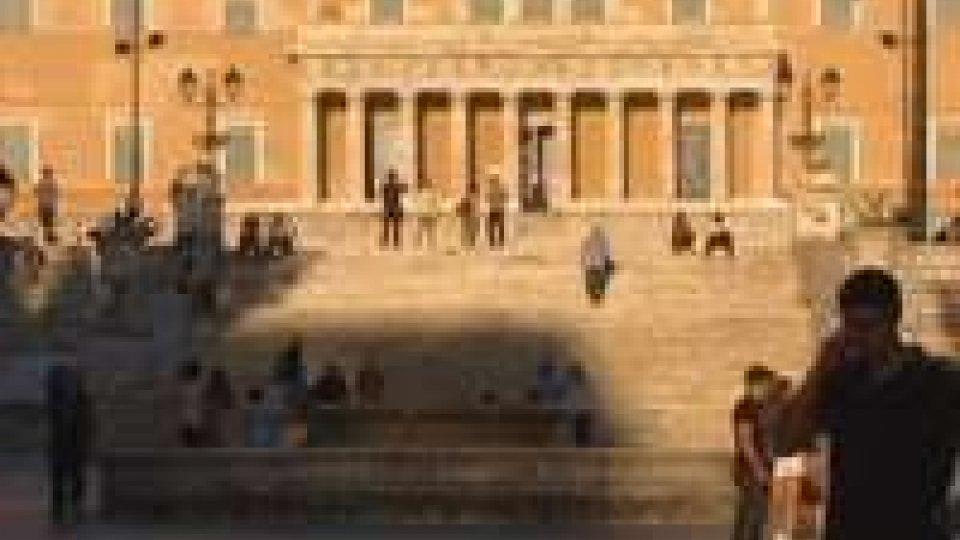 Grecia. Samaras rinuncia e rimette mandato a presidente