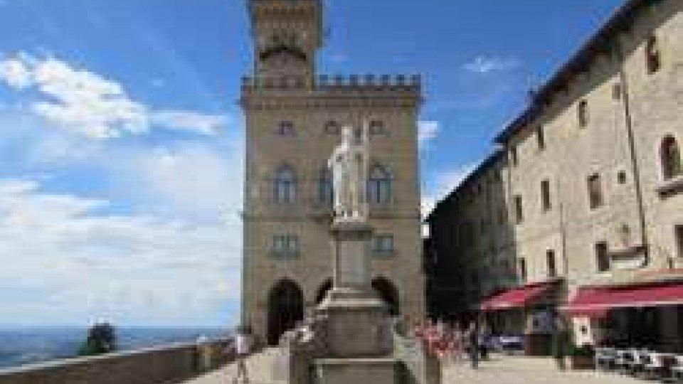 L'Associazione Emma Rossi  organizza un percorso storico-letterario lungo le vie  della Città di San Marino