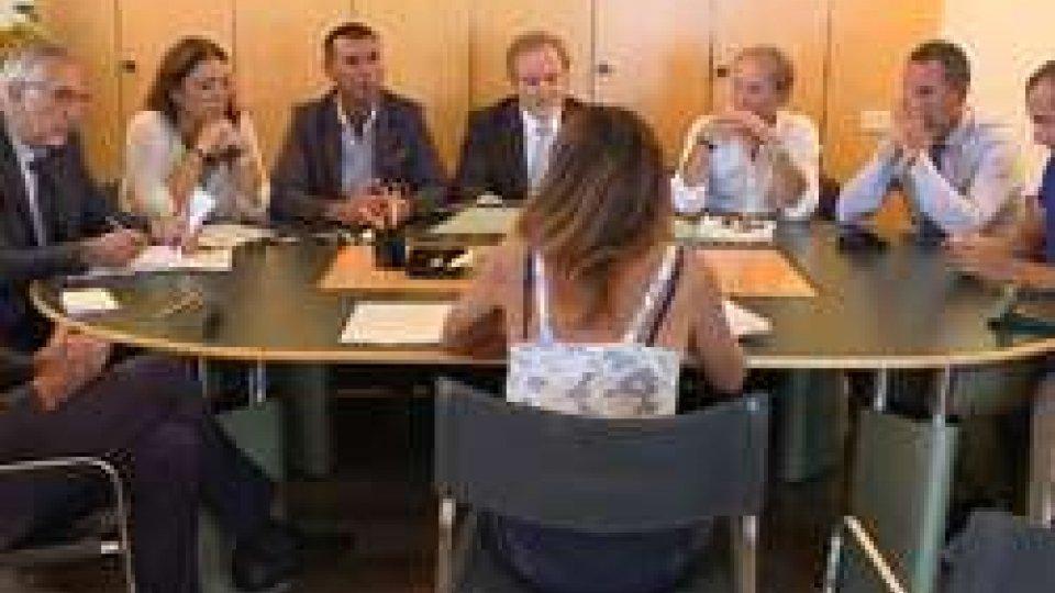 """La conferenza stampa della minoranzaPDCS e PS lasciano l'aula: """"E' ufficialmente aperta l'era del debito pubblico"""""""
