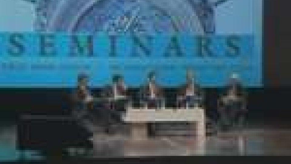 FMI: Strauss-Kahn lancia l'allarme e invita i governi a sostenere ancora l'economia