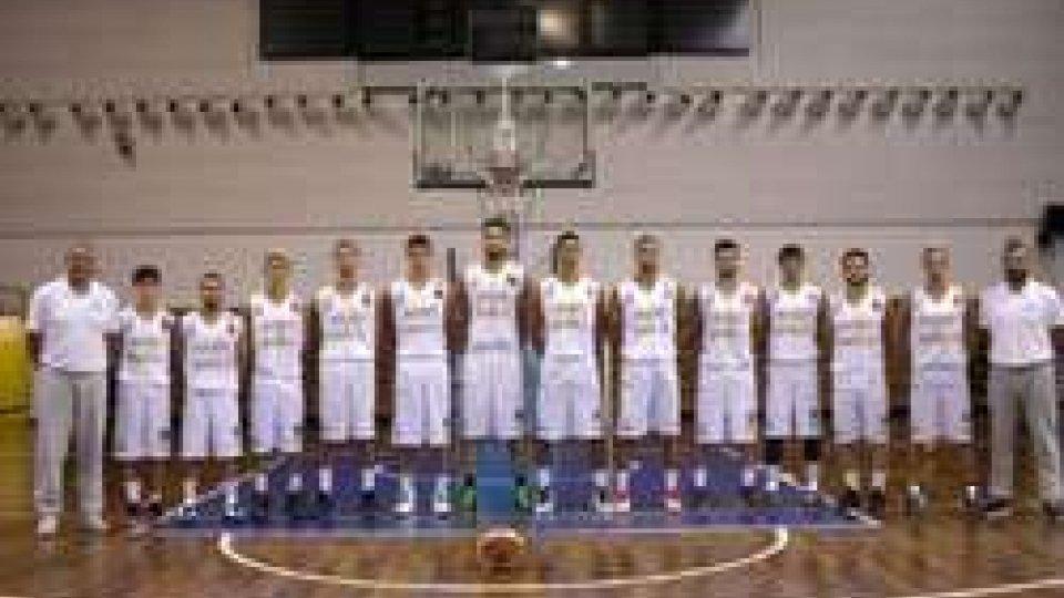 Basket, l'Asset Banca cade a Imola nel finale