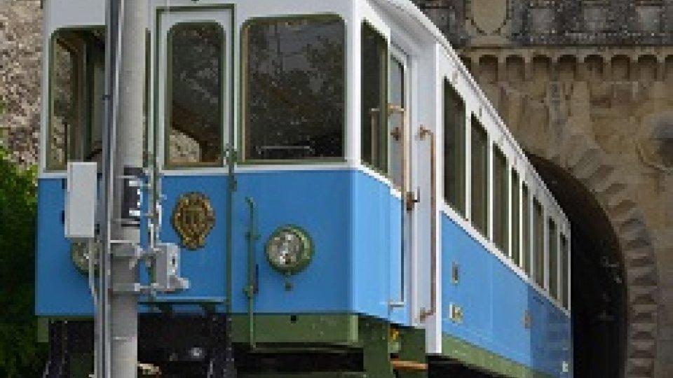 Il trenino di San Marino alla scoperta dell'elettromotrice