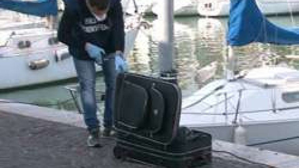 La valigia al porto canale