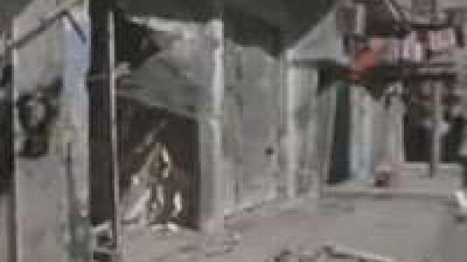 Siria, ripresi i bombardamenti contro Homs