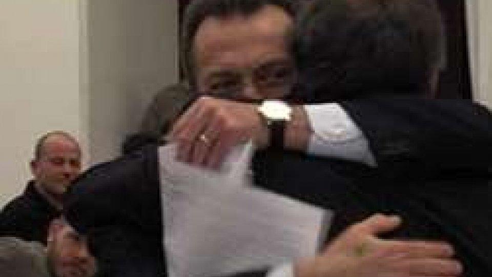L'abbraccio fra i due candidatiFSGC: Tura è Presidente, cambiano 4 consiglieri