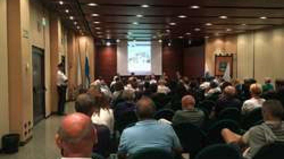 Usl: ottima affluenza all'incontro pubblico su sviluppo banche e bilancio