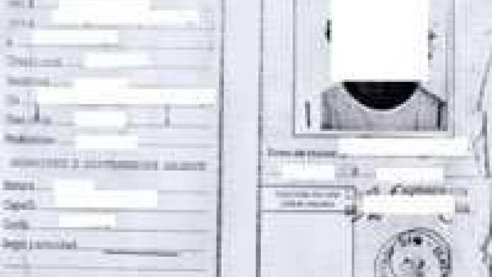 Rimini: giocatore di calcio con documento falso
