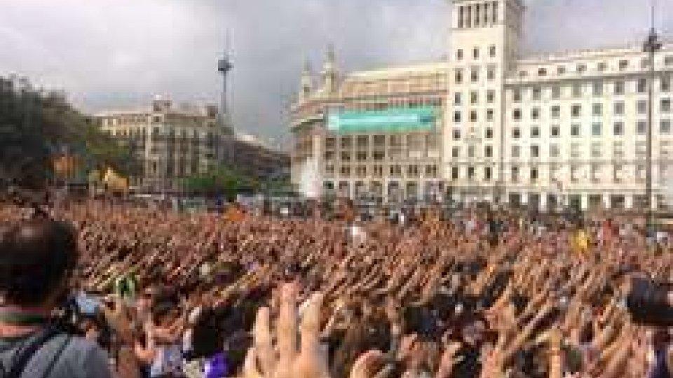 Manifestazione dei giovani  in Plaza Catalunya (Twitter)