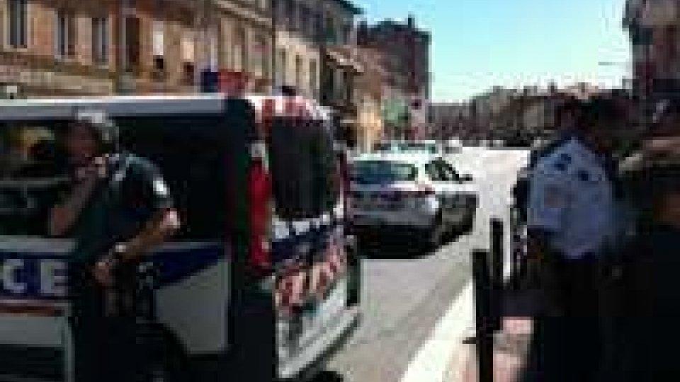 Tolosa, liberati con un blitz gli ostaggi. Catturato il sequestratore, è ferito