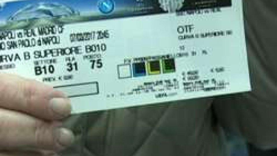 Caos bigliettiNapoli-Real, escono i biglietti ed è il caos