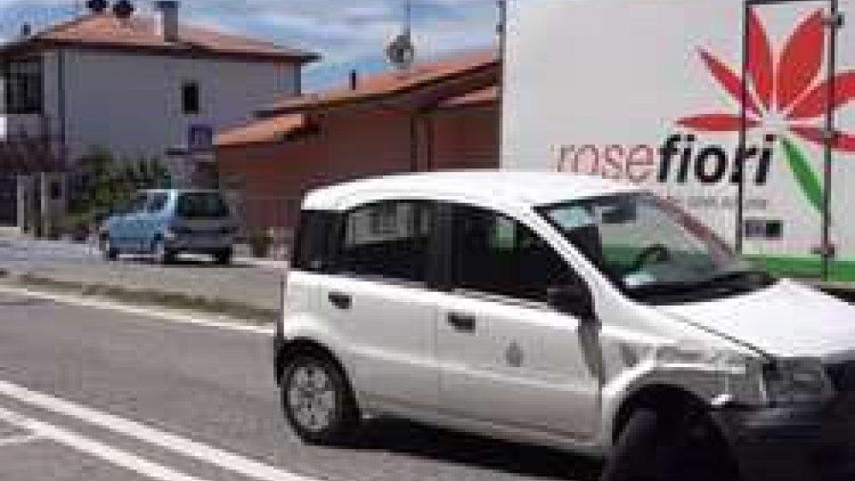 l'auto incidentataSan Marino: si scontrano due auto a Montecchio