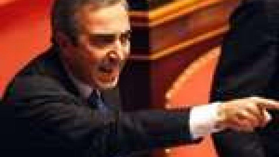 """La politica non ci sta. Gasparri (Pdl): """"Non siamo i più pagati d'Europa"""""""