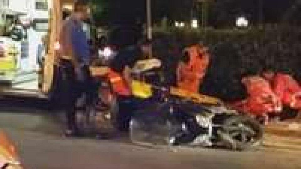 Rimini: incidente a Marina centro, grave scooteristaRimini: incidente a Marina centro, grave scooterista