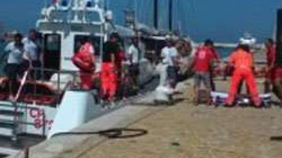 Pesaro: bagnante in difficoltà soccorsa da Capitaneria porto