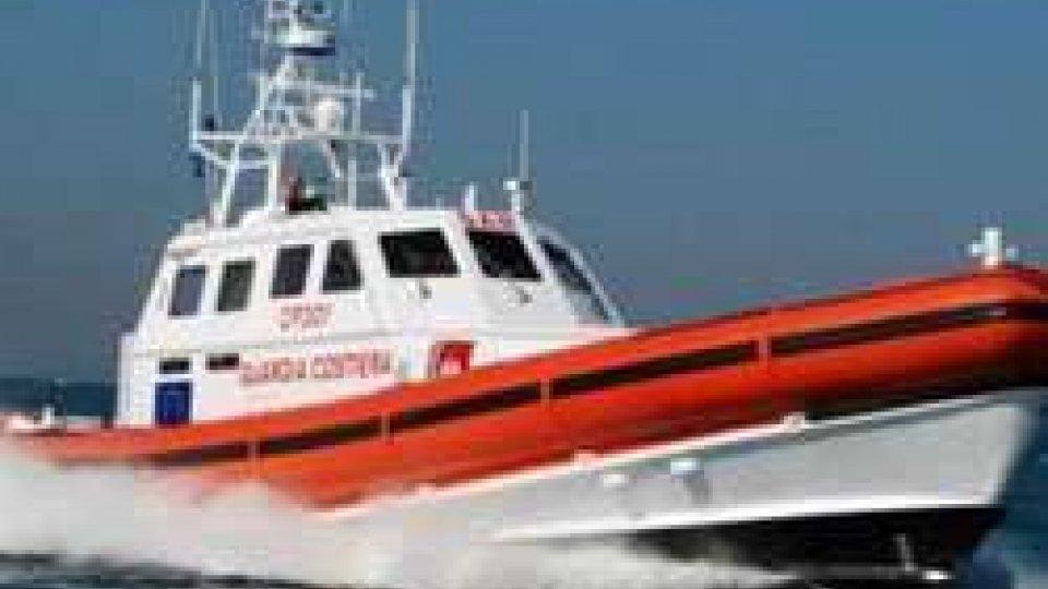 Imbarcazione lancia SOS a largo di Rimini, ritrovata da Capitaneria di Porto