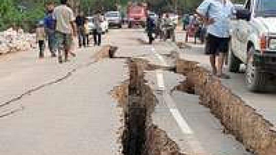 Myanmar, si contano le vittime del terremoto