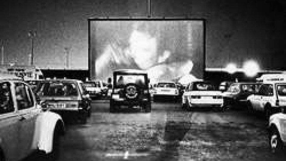 6 giugno 1933: a Camden (Usa) apre il primo drive-in della storia