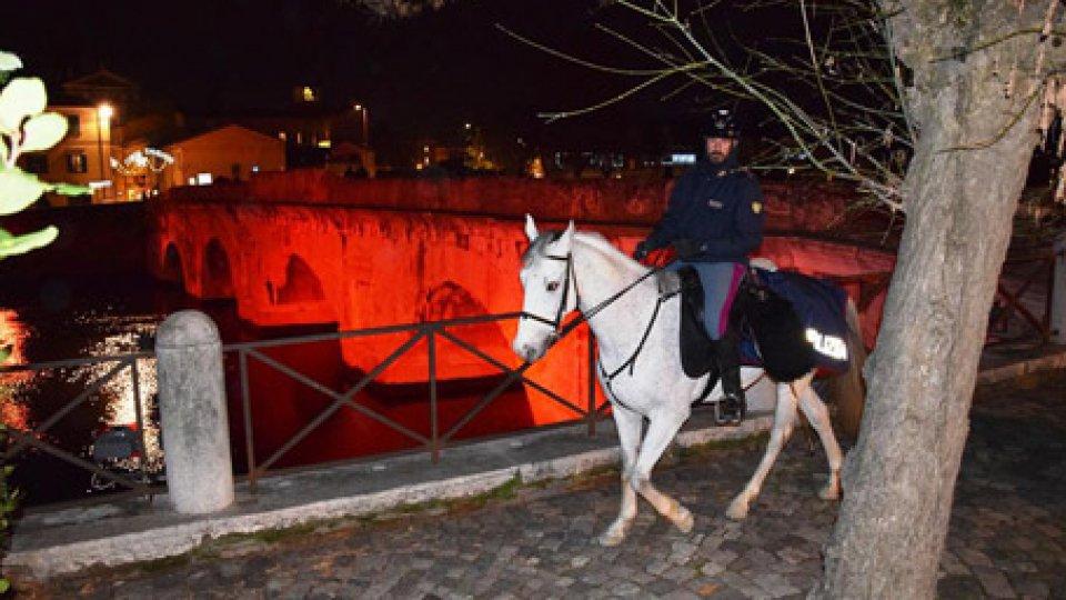 Polizia a cavallo a Rimini