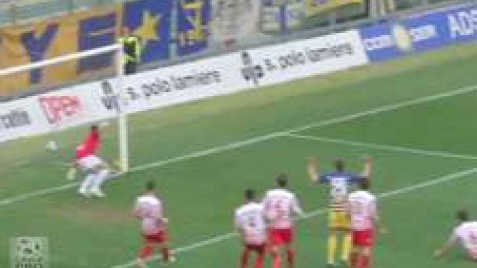 Parma-Maceratese 2-0: crociati di nuovo secondiParma-Maceratese 2-0: crociati di nuovo secondi