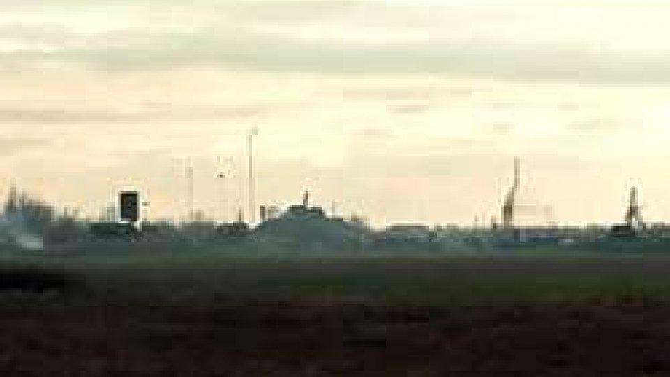 Ucraina: esercitazioni militariUcraina: esercitazioni militari al confine con la Crimea e la Russia minaccia rappresaglia