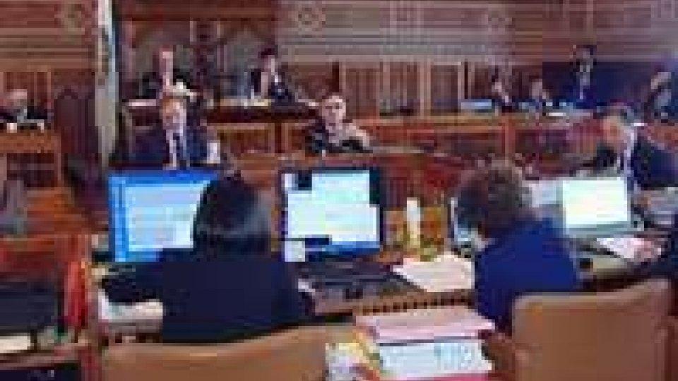 In Consiglio è scontro sui tagli