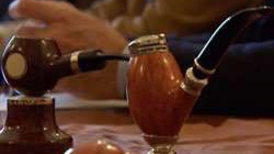 Pesaro, maxi furto di pipe pregiate. Il 'malloppo' venduto ad un tabaccaio di San MarinoPesaro, maxi furto di pipe pregiate. Il 'malloppo' venduto ad un tabaccaio di San Marino