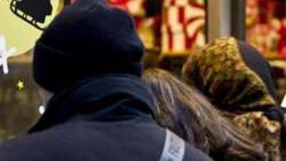 Confcommercio: spesa invariata a Natale ma meno doni ai parenti