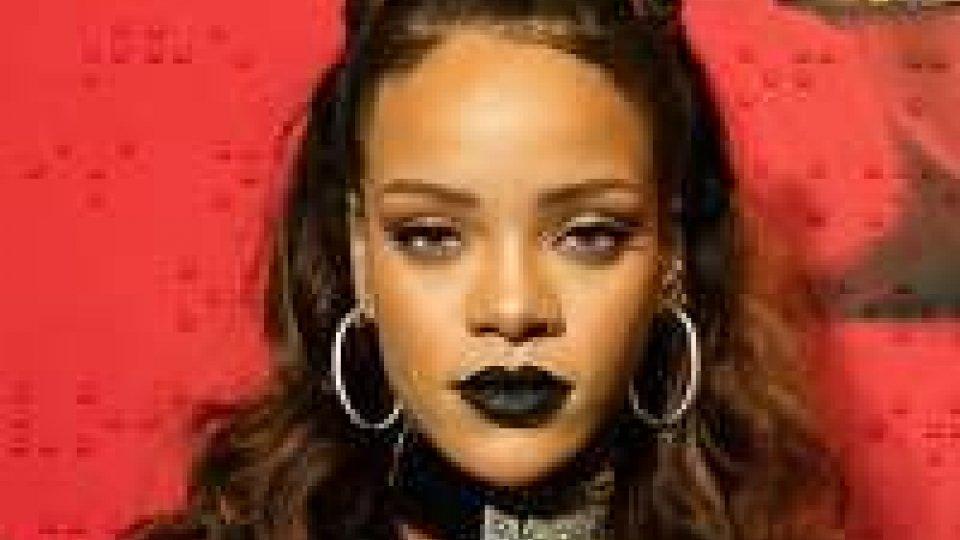Rihanna raddoppia i concerti in Italia