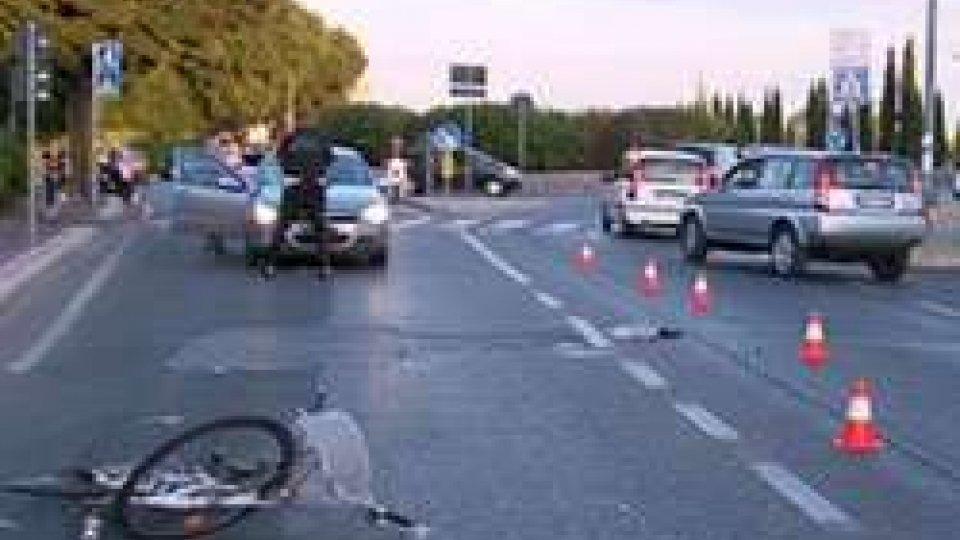 Rimini: morto nella notte il ciclista investito in zona Ospedale