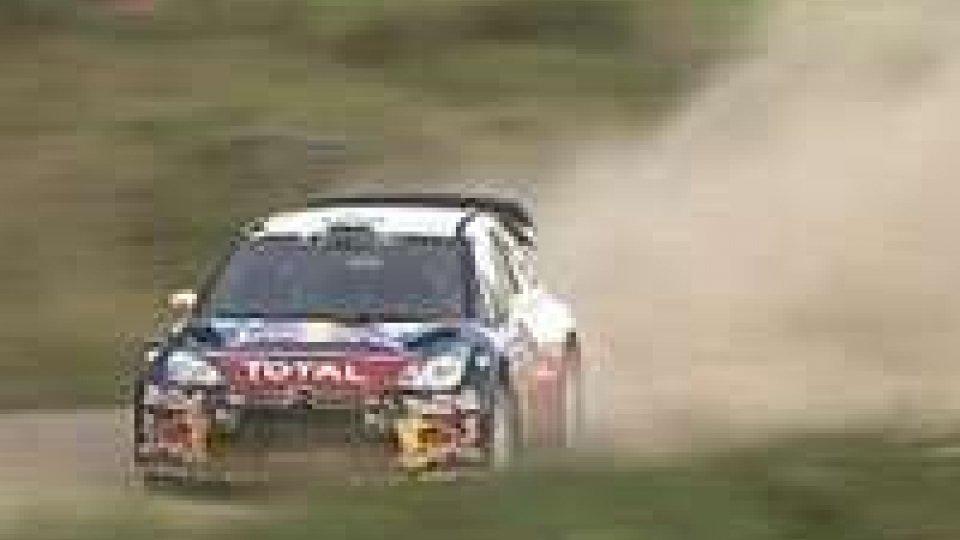 Rally Finlandia, Loeb sempre al comando