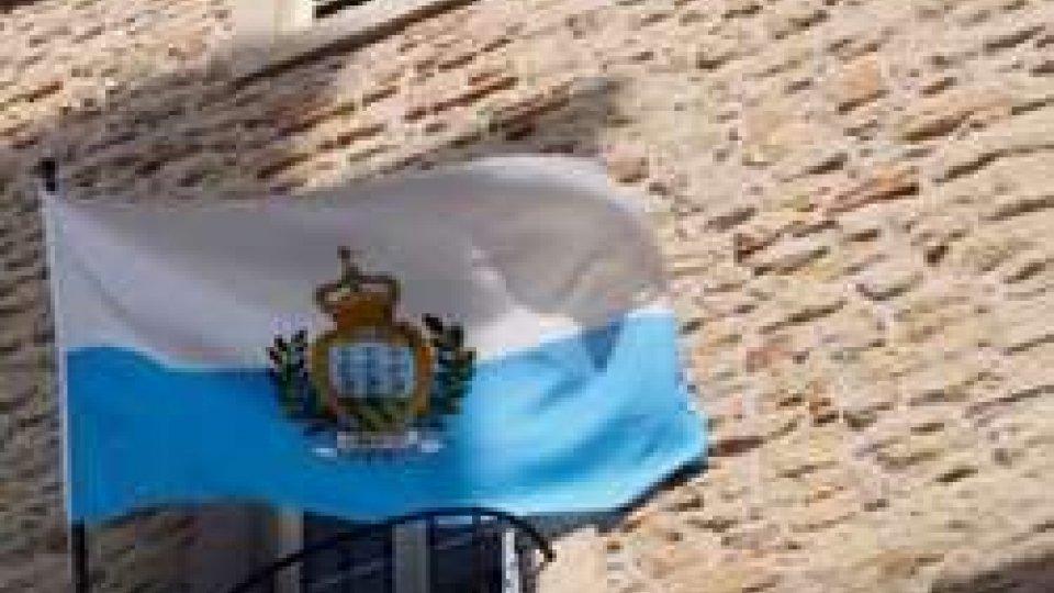 La bandiera di San MarinoConto alla rovescia per lo scambio automatico di informazioni: scatta da settembre