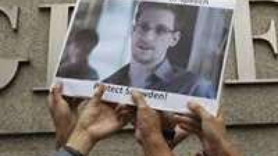 Si complica la vicenda Snowden