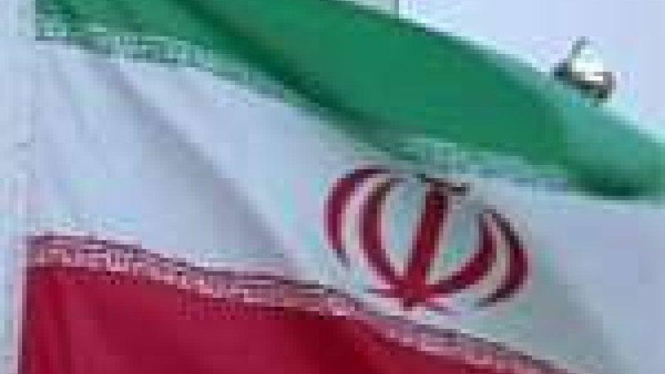La Merkel a favore di un inasprimento delle sanzioni contro l'Iran sul nucleare