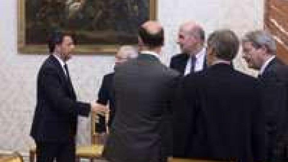 """Naufragio canale di Sicilia, Renzi: """"La Ue non ci lasci soli"""""""