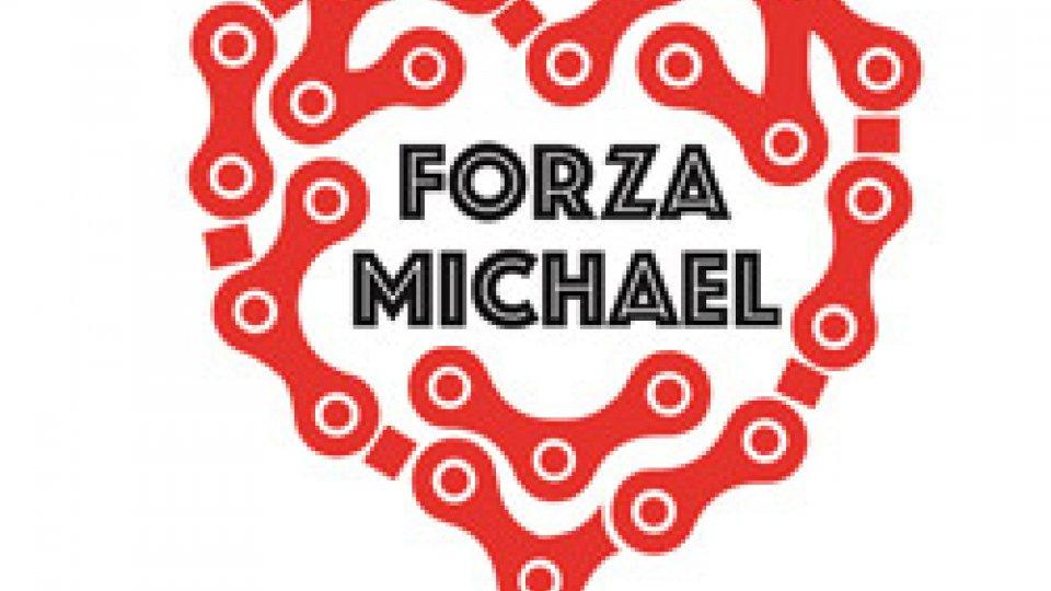 I tifosi di Michael Antonelli hanno preparato uno striscione e degli adesivi per esprimere vicinanza a Michael ed alla sua famiglia