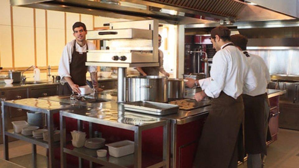 Una cucinaNatale al ristorante: oltre 500 mila ristoratori al lavoro
