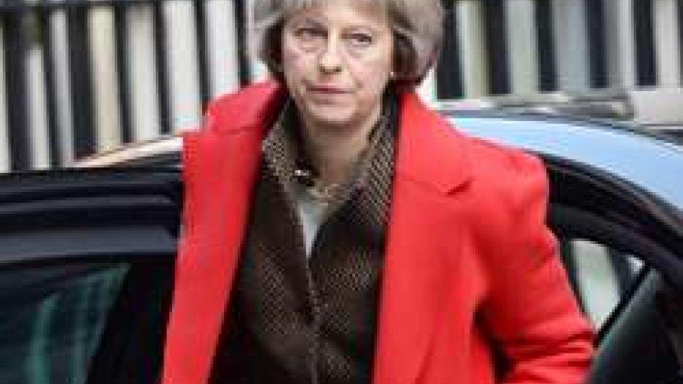 GB: la May spinge sul voto